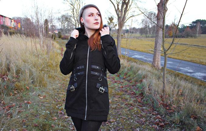 Warm durch den Winter mit der Sara Jacket von Heartless